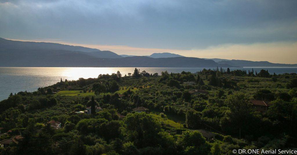alba drone foto aerea lago di garda